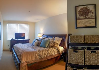 Spacious Living Areas | Parkview Living LA in Los Angeles CA