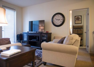 Carpeted living rooms | Parkview Living LA in Los Angeles CA
